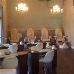 Beauty Lounge & Wine Bar