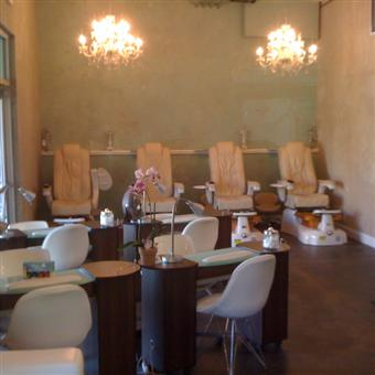 Beauty lounge wine bar palos verdes mall in walnut for 13 salon walnut creek